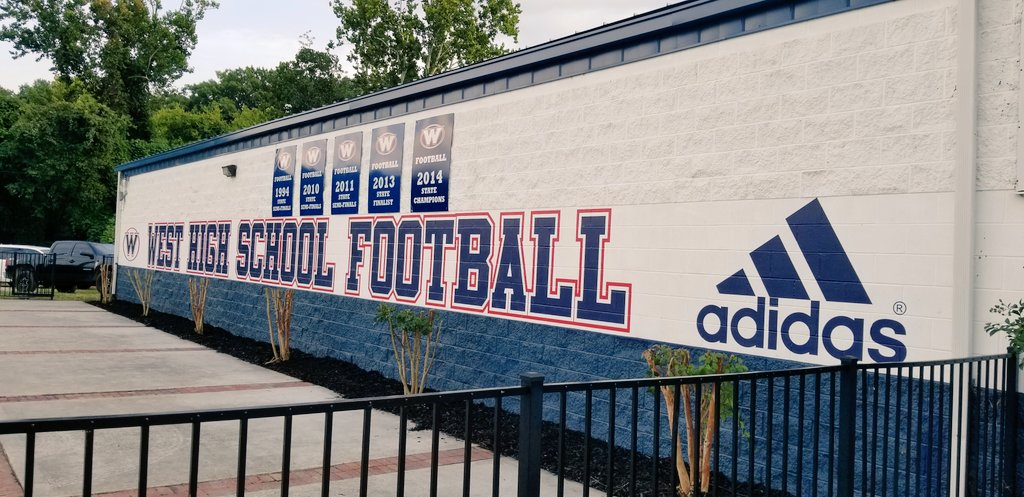 Day 1 of our fieldhouse branding is complete. Can't wait to see the finished product. Thank you Bacon & Co and @adidasUS. Big things happening at 3300 Sutherland Ave. #onewest #3300rebelpride #marblecity<br>http://pic.twitter.com/rHs1zU63ND