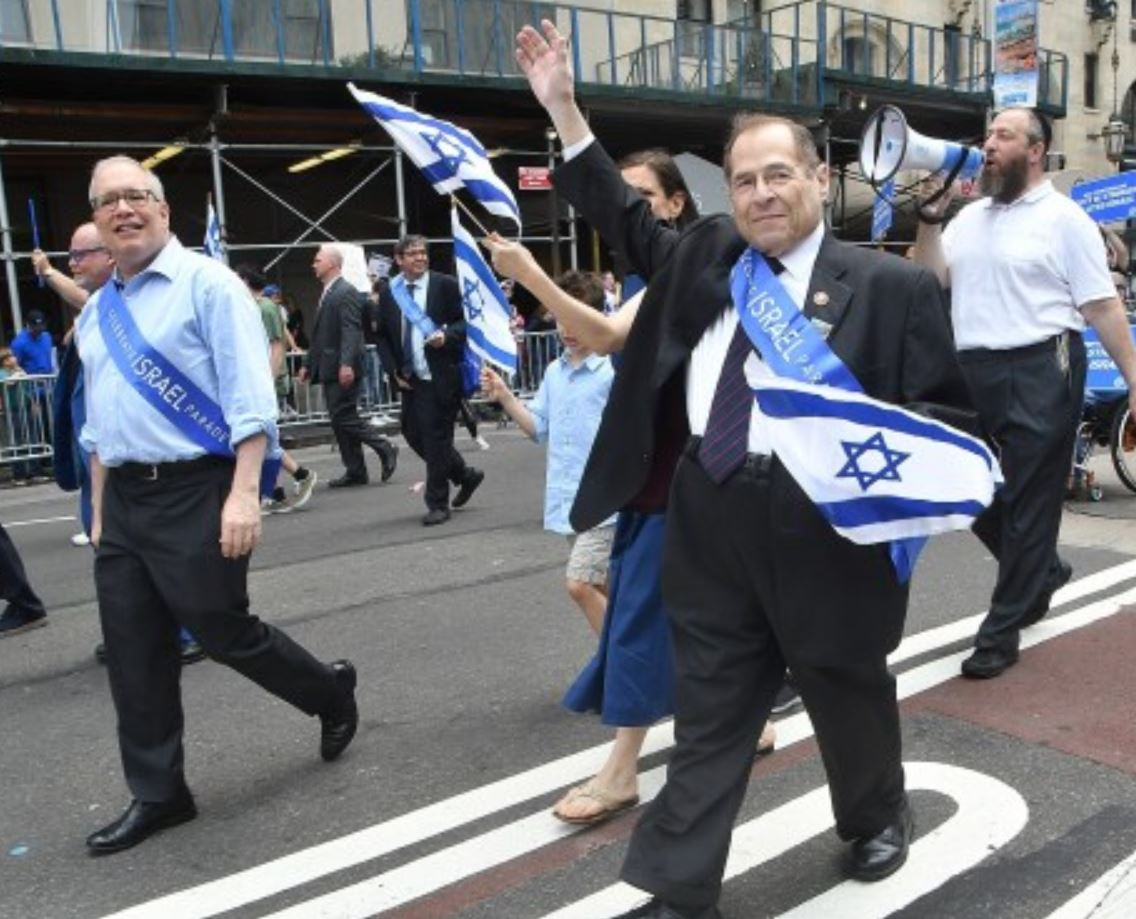 We should be thankful we have dual-citizens in Congress, such as Jerry Nadler, bravely fighting against nationalism and identity politics. <br>http://pic.twitter.com/DzAElOwfL5