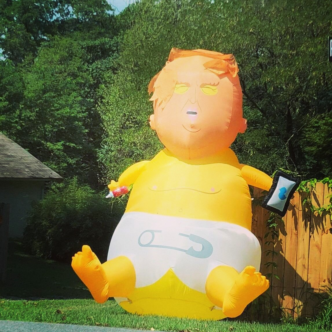 Where can I buy one of these #ToddlerInChief <br>http://pic.twitter.com/Pq11HnBvKD