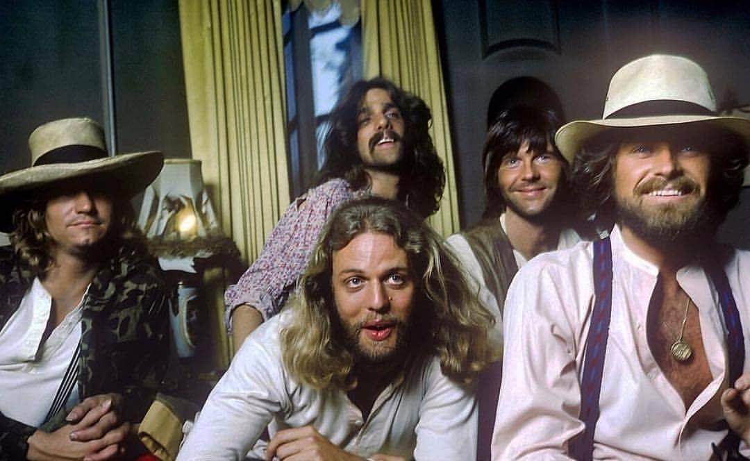 Eagles, Hotel California photo shoot, 1976. <br>http://pic.twitter.com/LJJtBLKLAD