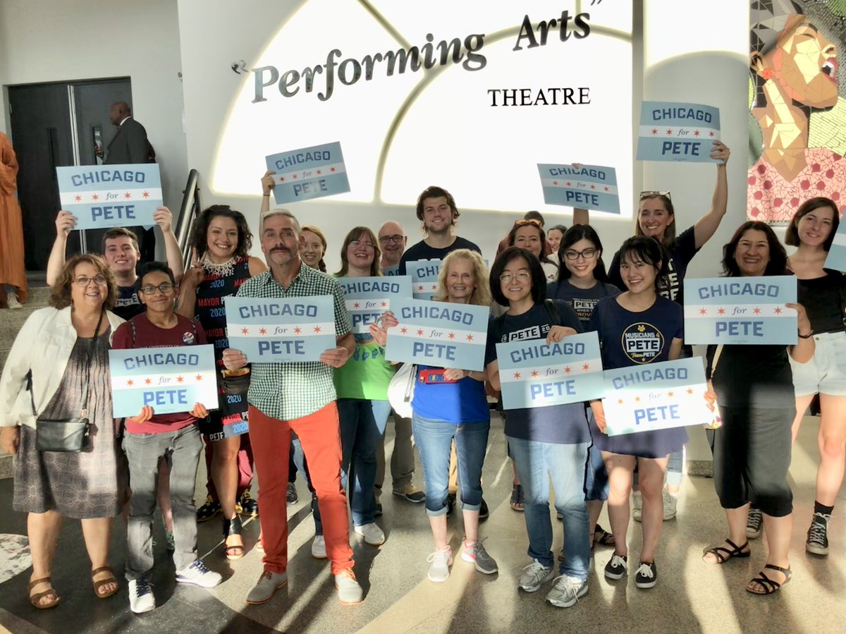 @Chicago4Pete Check In Volunteers are ready! @PeteButtigieg #TeamPete #peteforamerica<br>http://pic.twitter.com/HRluHCCN3S