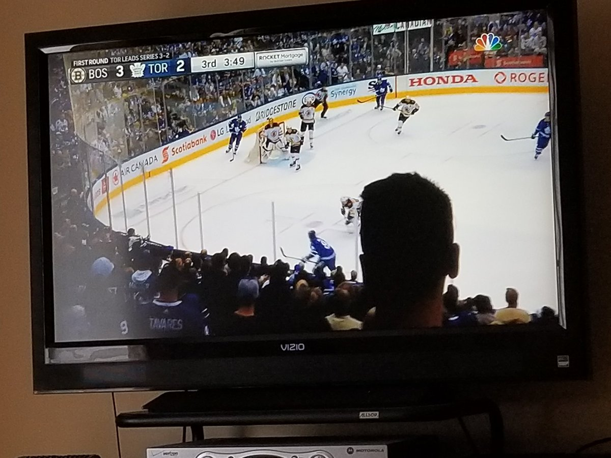 @WhiskeyMD247365 @racquets100 @ddale8 Really I thought this was him doing the Bruins Series