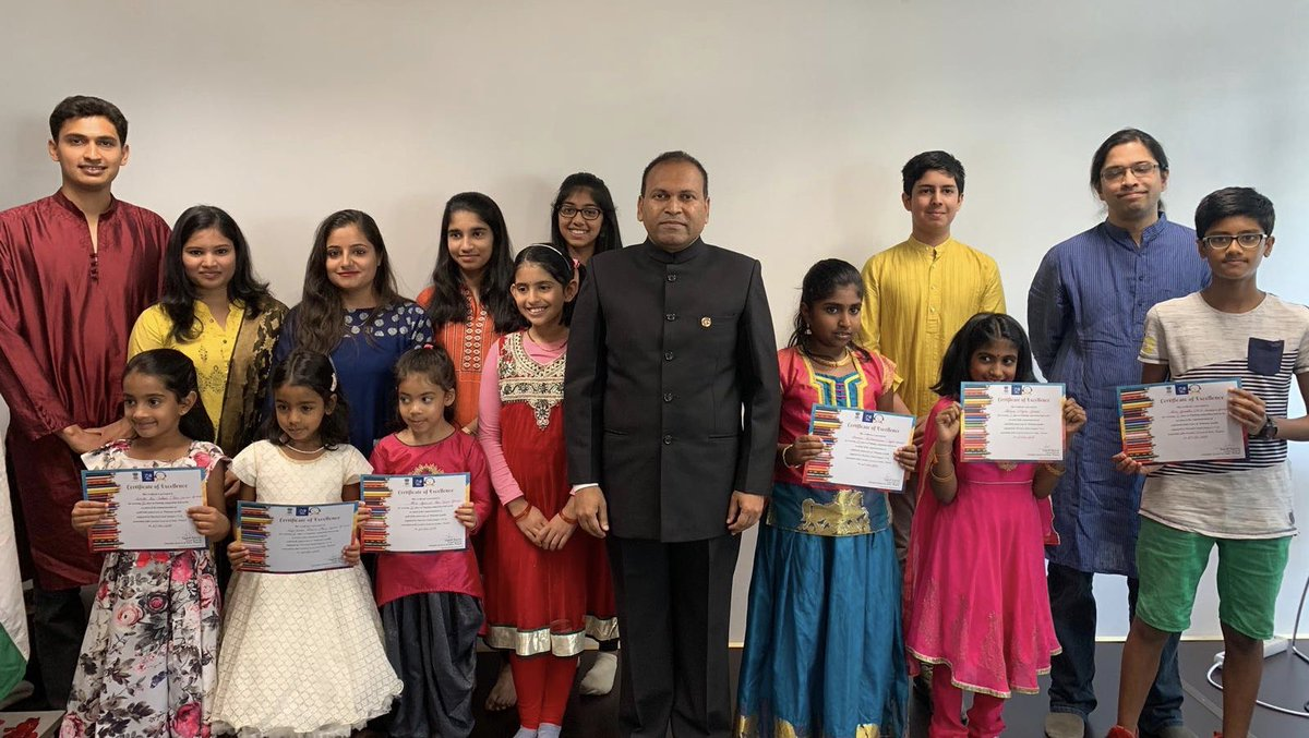 #Gandhi150 Consul General awarded certificates to the winners of painting competition organized to celebrate 150th birth anniversary of #MahatmaGandhi @IndianDiplomacy @ICCR_Delhi<br>http://pic.twitter.com/PH4FyH3e0s