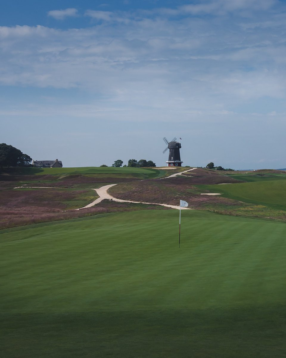 National Golf links of America is my favorite place I have ever played. <br>http://pic.twitter.com/3uUk6ezcku