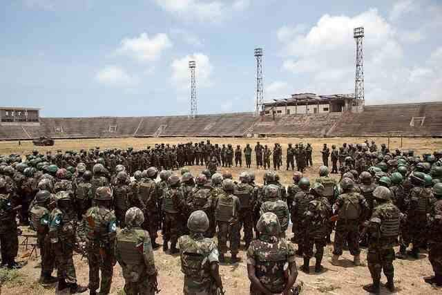 Before and after: Mogadishu stadium. A year ago, Pres Mohamed Abdullahi Mohamed (#Farmajo) kicked out #AMISOM troops who were using the stadium as a base. Renovation work is progressing well. Pres Farmajo has restored national library, museum, theatre, parliament and others. <br>http://pic.twitter.com/hxfpuSzgW4