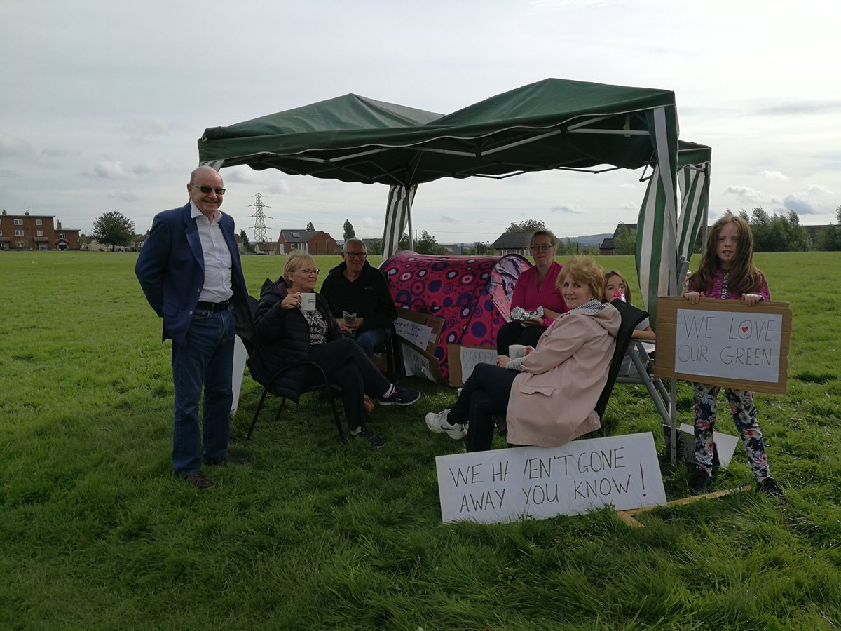 Day 3 - tea on the green. We remain committed to protecting the last open green space at #Glassmullin. #saveourgreen<br>http://pic.twitter.com/16v96gUBjS