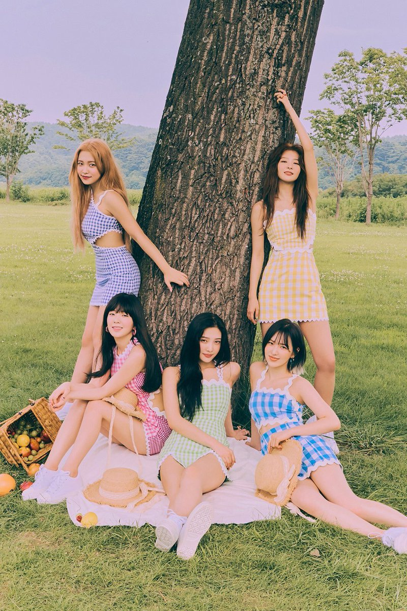 2 for 2! @RVsmtown's new 'The ReVe Festival Day 2' EP hit No. 1 on U.S. @iTunes all-genre Top Albums chart, the first K-pop girl group to do so twice!  The EP is still No. 1 on Pop and K-Pop Albums.  Listen:  https:// music.apple.com/us/album/the-r eve-festival-day-2-ep/1476513507   … <br>http://pic.twitter.com/tXmFI396sq