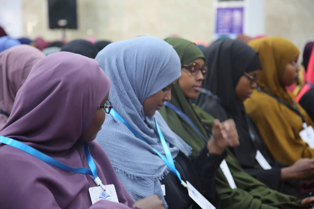 These are the people who will move mountains, rock by rock, to realize their vision for new #Somalia. Our girls are the real change makers. More than half of the hall is packed by them and that shows their passion for reading & writing. #MBF2019<br>http://pic.twitter.com/k1Kn1BbGZx