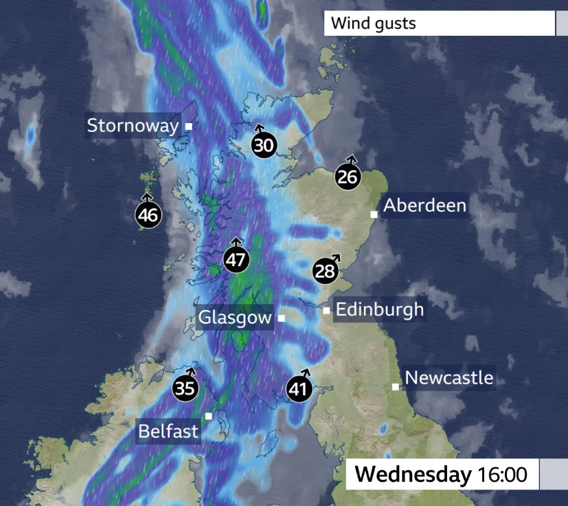 As it turns wetter in Northern Ireland and Scotland today, it'll also turn quite windy.  Gusts potentially up to 50-55mph. 💦🌊💨