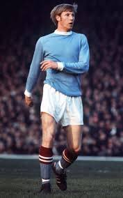40 years ago today (yes, 40!) - Colin Bell retired after a four-year fight to regain full fitness. @Radiology_UK<br>http://pic.twitter.com/kjR9PcG8sR