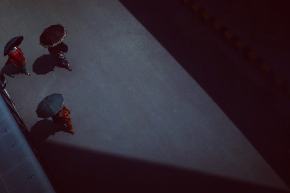 #nepal #asia #dailylife #street #women #umbrella #sun #light #color #shadow #summer #hotday