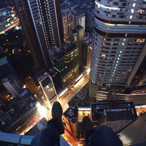 Картинки с крыши вниз ночью