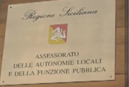 Sicilia, dirigenti promossi a pieni voti: bonus in busta per tutti - https://t.co/wfeNyhbGhu #blogsicilianotizie