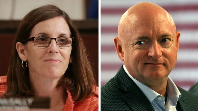 Arizona poll shows Democrat Mark Kelly overtaking GOP Sen. Martha McSally  http:// hill.cm/kdNOCPA     <br>http://pic.twitter.com/XoUuKbvaJp