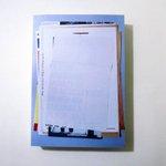 Image for the Tweet beginning: ドイツのアーティスト Blinky Palermo(ブリンキー・パレルモ)に関する印刷物の個人が集めたコレクションで構成された展覧会カタログ。とても面白いです。