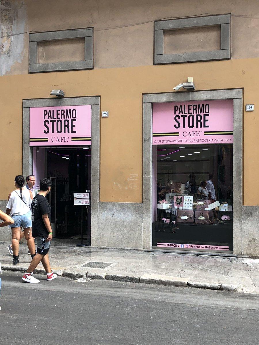 Om ni har vägarna förbi Palermo ska ni ju ta espresson här innan ni kollar Serie D!