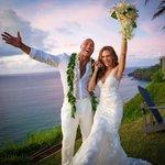 Image for the Tweet beginning: Lauren Hashian's wedding gown was