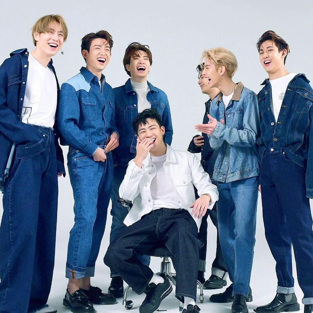 [#AhgasesMomentsWithGOT7 ]  Tweet your favorite moments with GOT7 & with Ahgases   Let's spread love & positivity!  #GOT7  #갓세븐  @GOT7Official<br>http://pic.twitter.com/UxufhSKv41