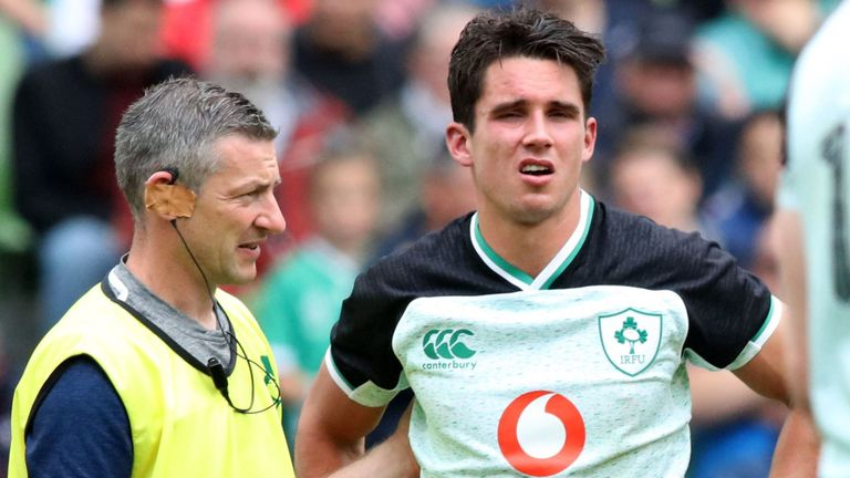 test Twitter Media - Ireland give Carbery no RWC assurances 🏉  Ireland ☘️ have refused to offer the injured Joey Carbery any guarantees over World Cup selection 🏆  👉 More here: https://t.co/se5xSMbvez https://t.co/erH4mDV2hm