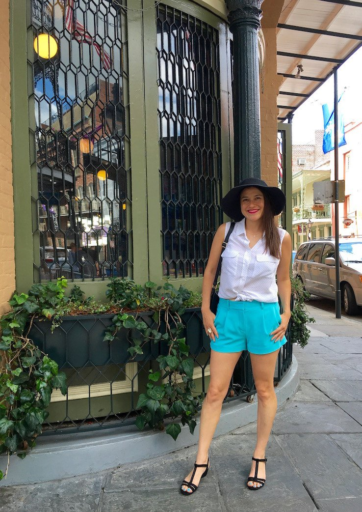Visiting #NewOrleans in summer requires a very specific packing list to endure the unpredictable humid weather. Don't worry, I have you covered on what to pack and wear in my #NOLA travel guide: https://t.co/NHtLU6Wzd2 #traveltips #OneTimeInNOLA https://t.co/bEOVu2i8in