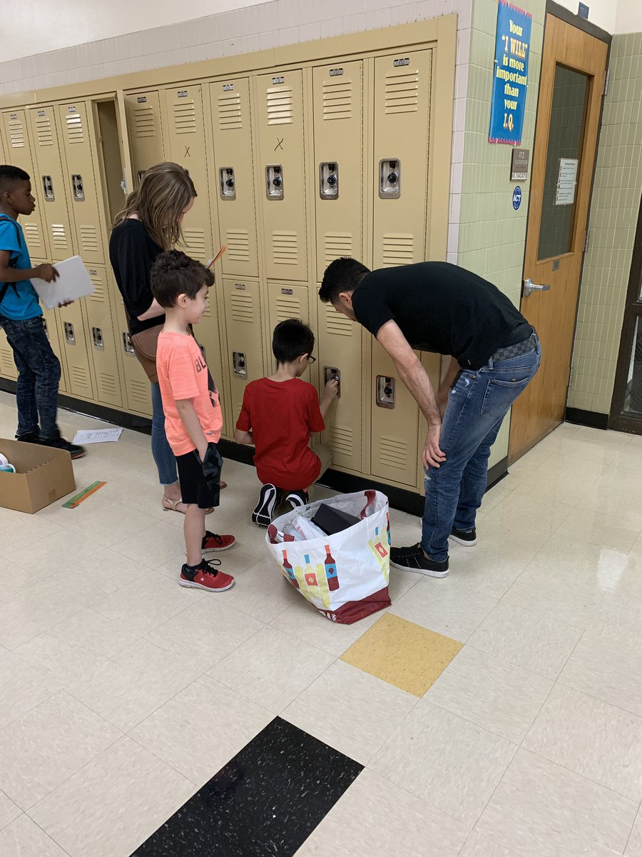 Locker breakout was a success! Students also enjoyed a fun scavenger hunt around the school! Looking forward to the first day of school tomorrow! #cridgepride<br>http://pic.twitter.com/4RV4sTuFGk