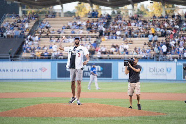 2019 Lakers Night: Anthony Davis Throws Out First Pitch At Dodger Stadium - https://t.co/av8BwlNncc   #Sports https://t.co/uvINpBzaW0