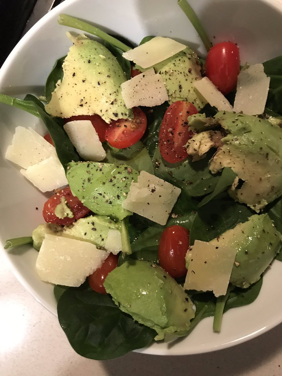 Took me 15 mins to assemble this Keto friendly salad. Don't make being tired an excuse   #IntermittentFasting #FitFam <br>http://pic.twitter.com/Xz2BXwj85e