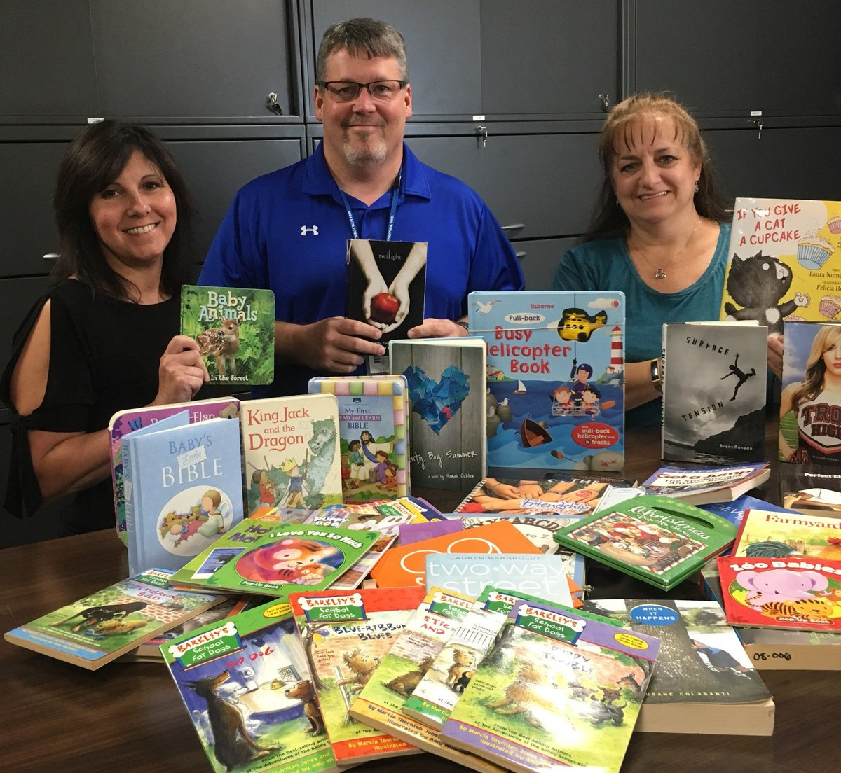 test Twitter Media - UGI employees from our Williamsport office did their part to combat #summerslide by collecting new and gently used children's books for @LyCoUnitedWay. The books were distributed to local summer reading programs. https://t.co/hA5Weda0ez