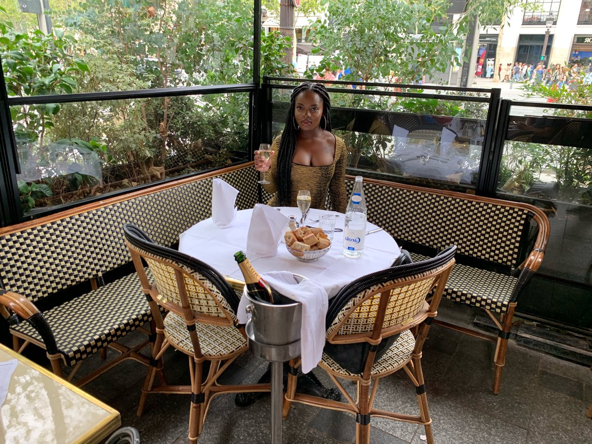 Just completed my solo trip to France and Greece! I'm so happy I took the step to travel solo for my FIRST time abroad. It was amazing and I can't wait for many more great trips  <br>http://pic.twitter.com/WXkGn4ATvO