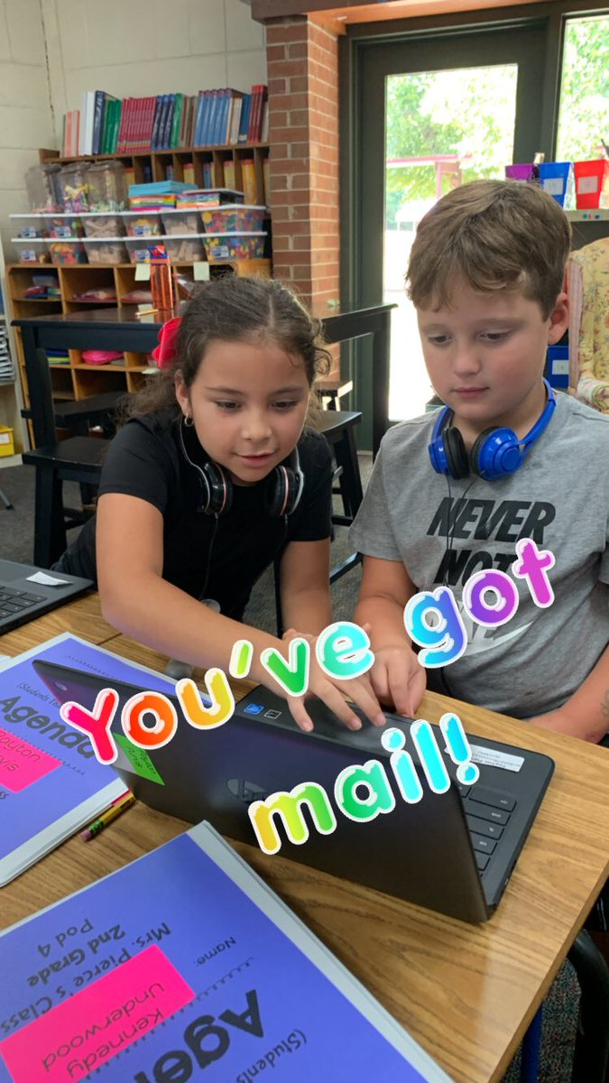 Mrs. Miller is getting her 2nd grade kiddos ready for the real world using Gmail. These tech-savvy kiddos are learning how email is an integral part with how we communicate! @ocpslittlechief #ocsdigital<br>http://pic.twitter.com/z5ilvlJHZJ