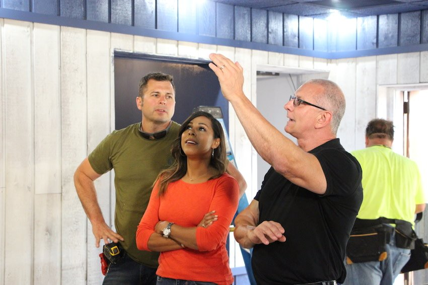 All new episode of #RestaurantImpossible this Saturday at 9p ET on @FoodNetwork! Don't miss it! <br>http://pic.twitter.com/XuypbAD1ay