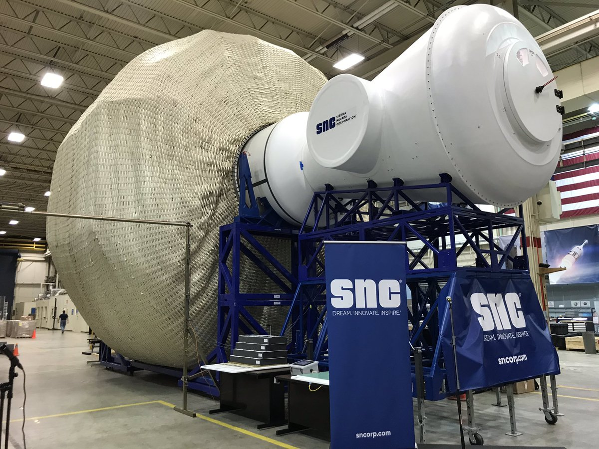 Here at @NASA_Johnson this morning to check out Sierra Nevada's Lunar Gateway prototype. First impression: It's big.<br>http://pic.twitter.com/HUMPESBM1F