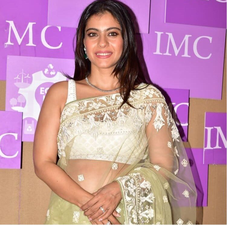 @KajolAtUN at the IMC Ladies Wing Exhibition earlier 2day... The event involves 1 of the world's most noble causes & 1 very beloved 2 Kajol: that of women & children.  ************** Did u know? -Kajol was awarded the Karmaveer Puraskaar in 2008 4 social service? #KajolPower pic.twitter.com/rV3DLt5HI6
