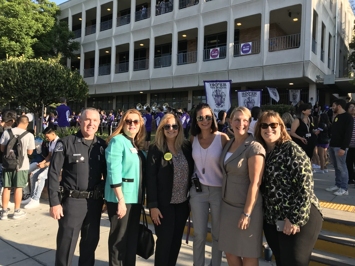 Glendale Unified kicks off first day of school in style