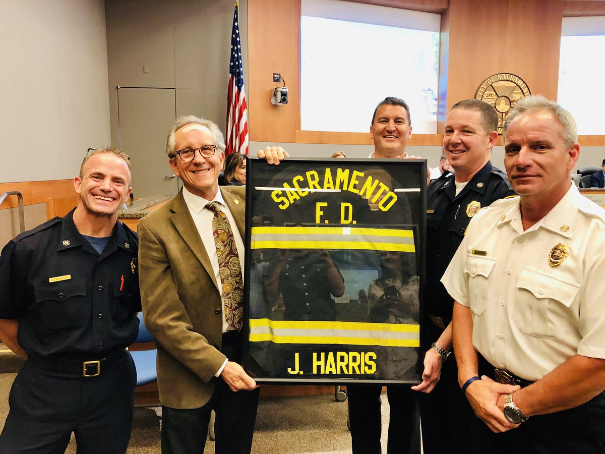 Councilman @Jeff4sac was awarded a framed fire coat for participating on a ride along at fire station 15. These 24 hour ride alongs are priceless in displaying what the firefighters that serve our #community do on a day-to-day basis. https://t.co/HxpZ9KnjQc