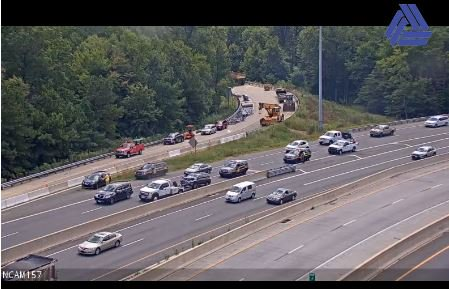 Another Delaware crash to watch for NB RT-1 near Christiana Mall where the left lane is blocked. #SlowDownMoveOver https://t.co/QcEaVABZEb