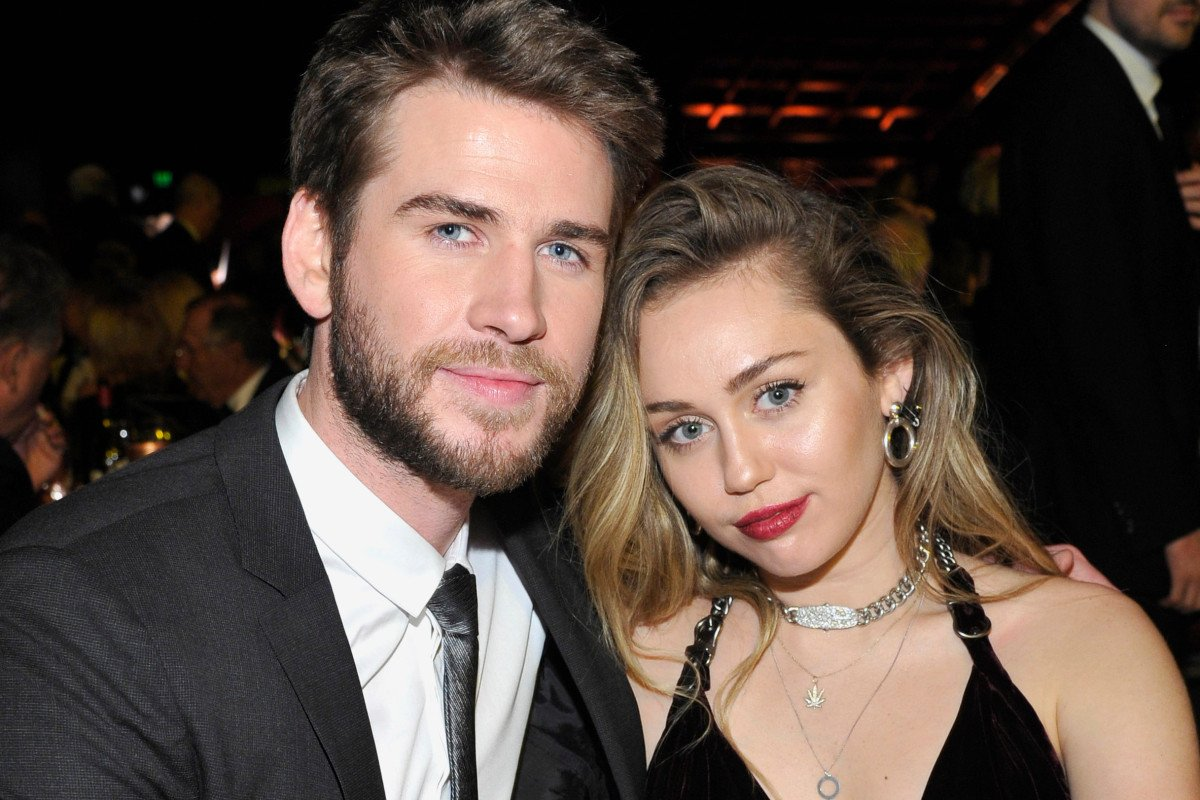 RT @nypost: Liam Hemsworth files for divorce from Miley Cyrus amid Kaitlynn Carter fling https://t.co/ZJktGYv41i https://t.co/vMcJGBUXNx