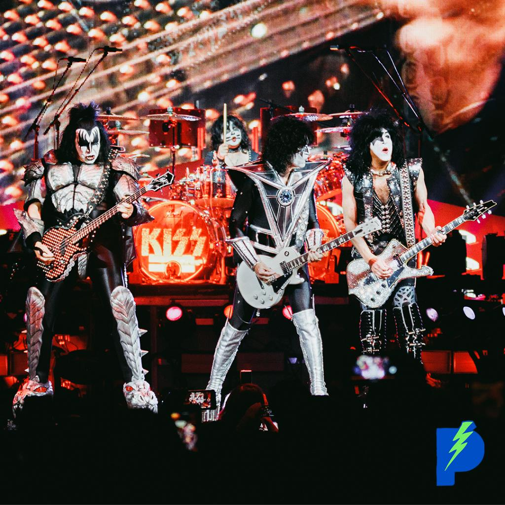 """You ready to get crazy?"""" Last night, legendary rockers @kiss brought their farewell tour to @barclayscenter! Celebrate 45 years of KISSTORY with their #EndOfTheRoad World Tour playlist: pdora.co/2ZjxmMO #KISS"""