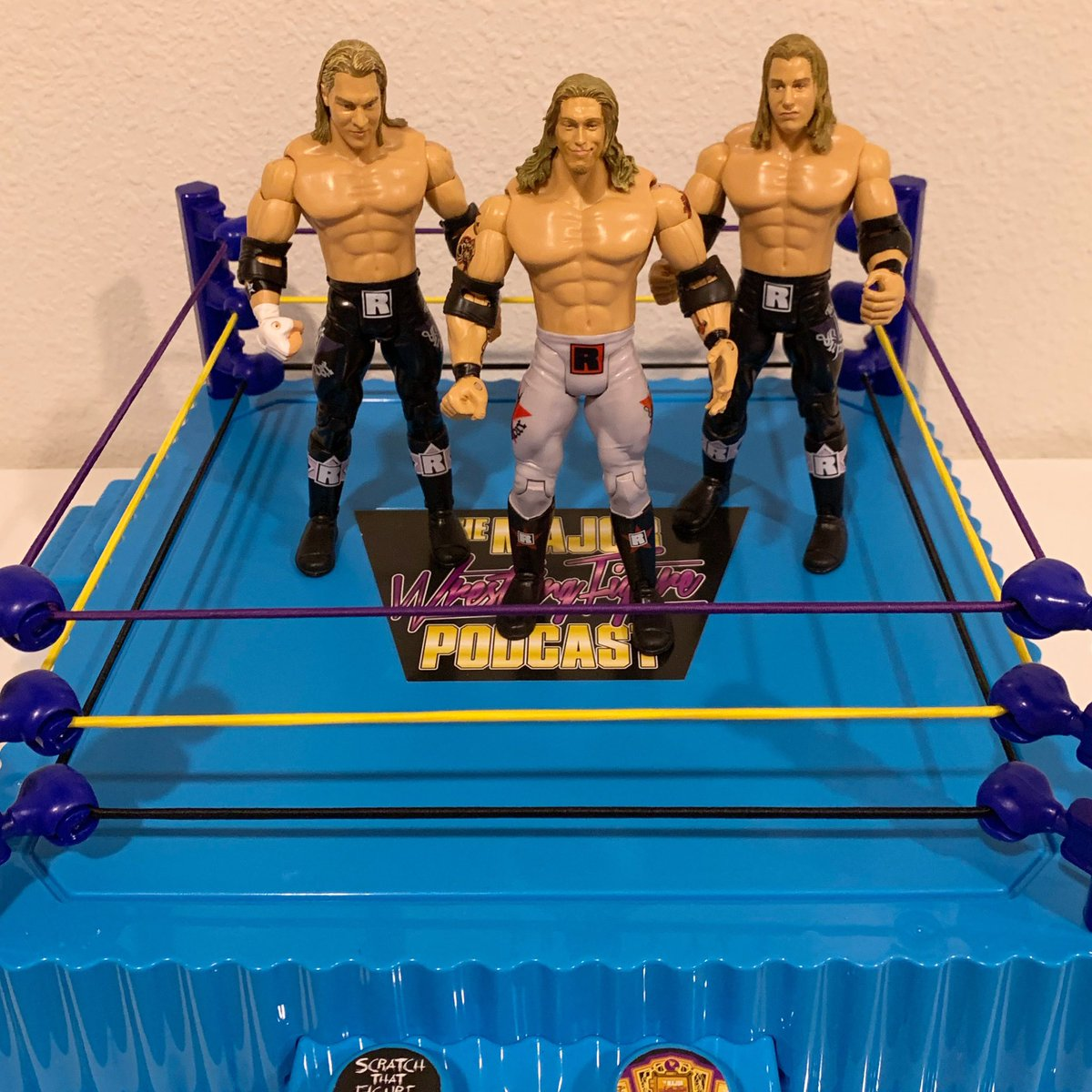 Who thinks @ringsidec should make an @edgeratedr exclusive figure with interchangeable @thecurthawkins & @ZackRyder heads?! #scratchthatfigureitch #edgeheads<br>http://pic.twitter.com/FWEQWOmO2p