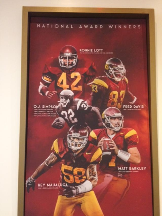 RT @InsideUSC: O.J. Simpson makes an appearance in the Coliseum's new suite tower #USC https://t.co/GFk7rU1pmh