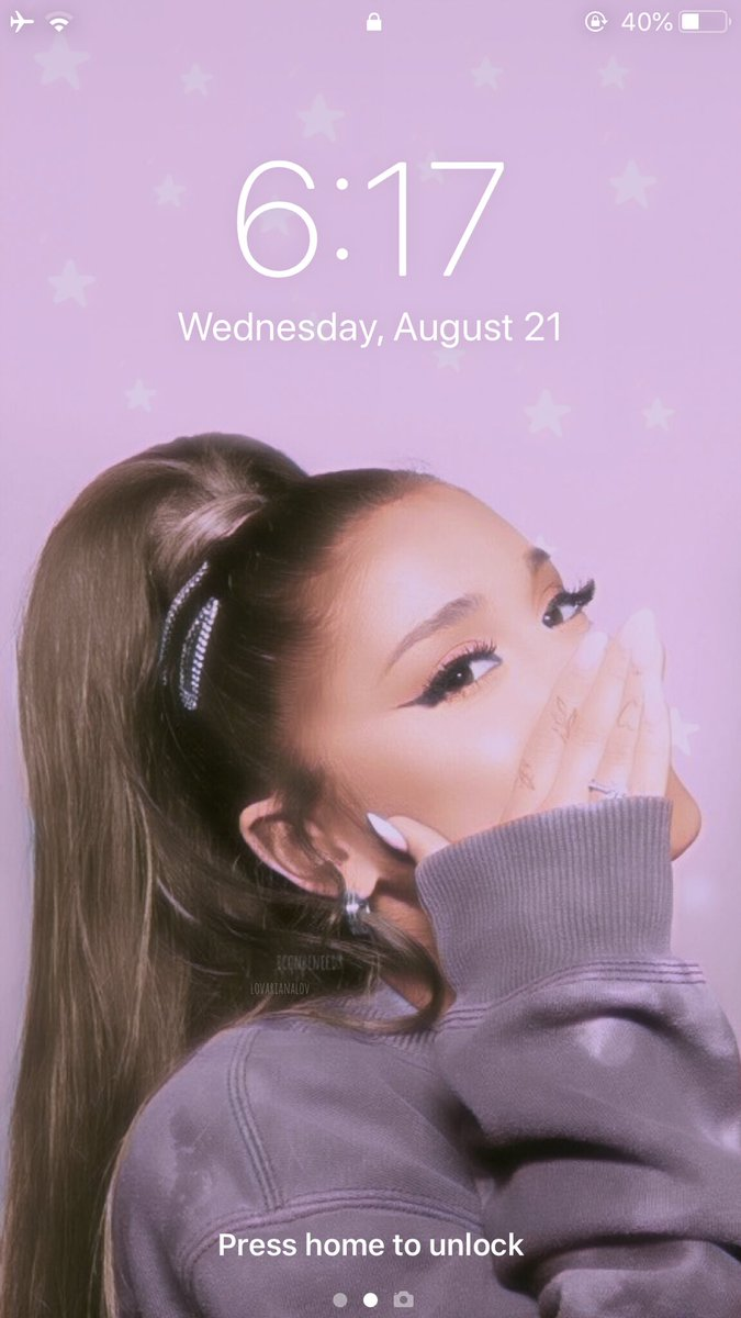 Ariana Grande lockscreens  rt/fav if you save (please be honest) — ale #ArianaGrande #SweetenerWorldTour<br>http://pic.twitter.com/GBFKW5LnKM