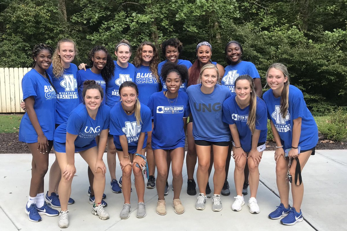 Loved hanging out together at the S/A annual picnic! Big thanks to our Nighthawk Athletic Club Board for the great food & fellowship! #HawkEm<br>http://pic.twitter.com/N4UA9fuwcV