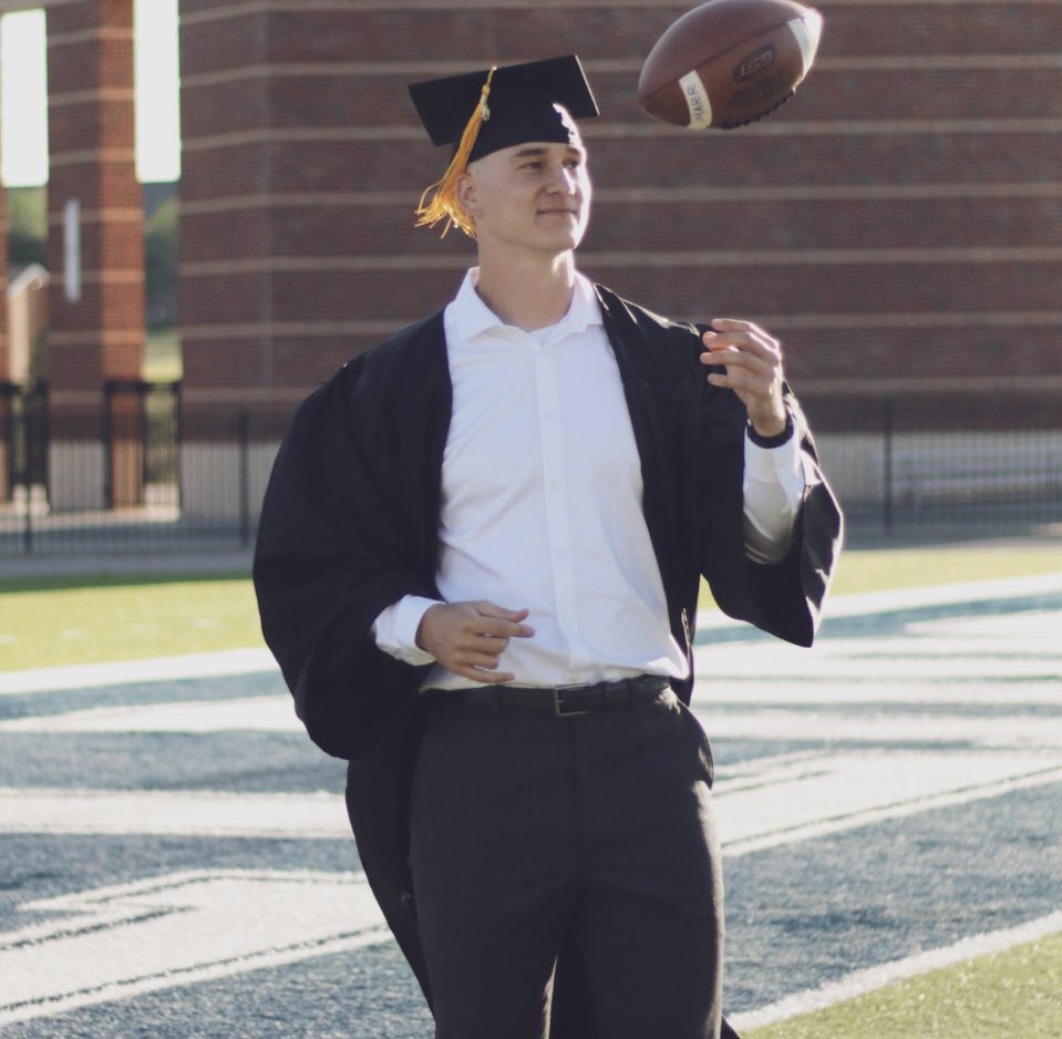 Our first Senior Spotlight features QB Tyler Marr of Beggs, Oklahoma.   Tyler is an Engineering Tech major and this summer he worked on the direct care staff at Cedar Canyon Adventure Program. Tyler's future plans include becoming a college football coach!     #SpotTheBall<br>http://pic.twitter.com/xRSFKs8bKE
