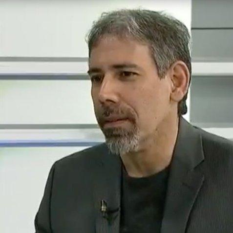 #AlAire📻#MesaDeAnálisis📊con Ahiana Figueroa @ahianaf🎙️ Entrevistando a Leonardo Vera (economista y profesor universitario en la UCV) por http://fedecamarasradio.com #FedeRadioVe #21Ago