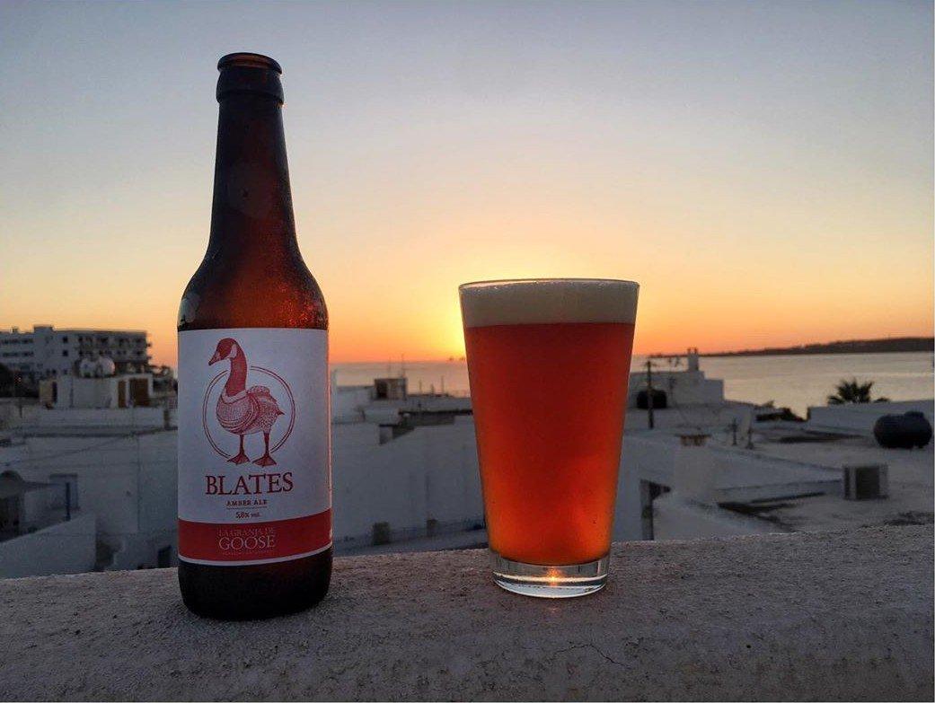 Cómo olvidar una cerveza como esta Blates de @CervezaGoose mientras disfrutas del atardecer veraniego 🍺🌅