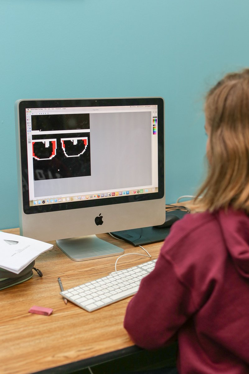 Teens only! We have a few spots open for 3D Game Design! Classes begin on Monday, Aug 26. Register now! buff.ly/2TYi9ju #games #gamedesign #teens #artclass