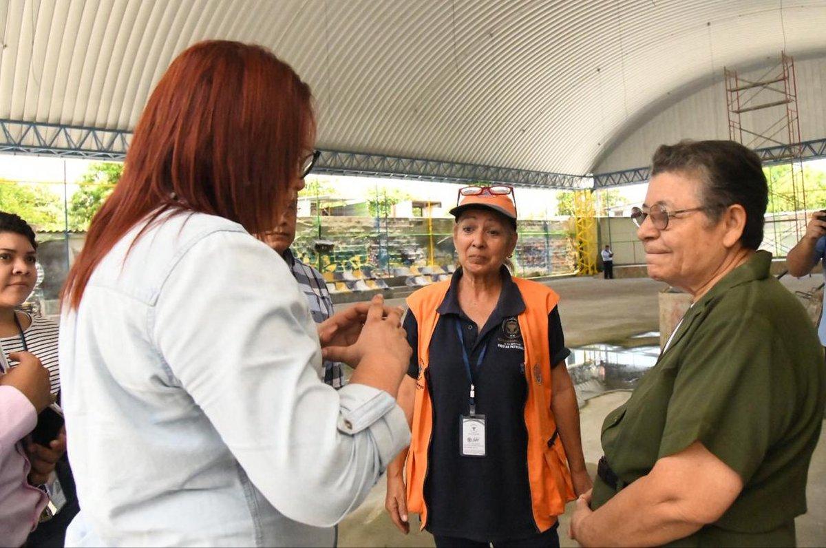 Gracias al #PlanControlTerritorial, los habitantes de Majucla en Cuscatancingo, tendrán su cancha de baloncesto. @CuscatancingoSS