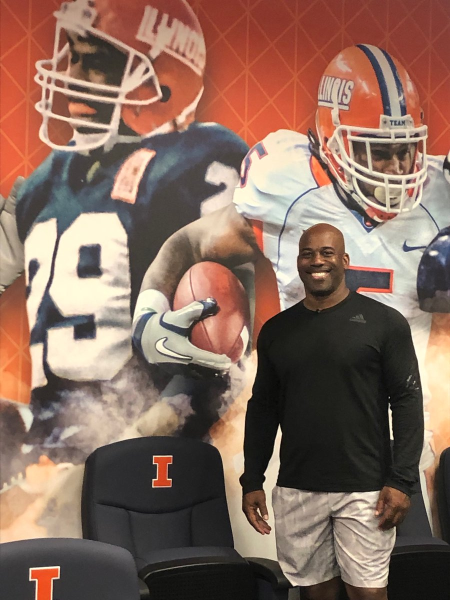 Got a warm reception and a great tour of the beautiful new ⁦@IlliniFootball⁩ facility.  Our guy ⁦@HowardGriffith⁩ is all over the place!