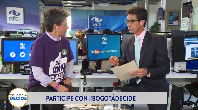 """""""Yo invito a la gente a que comparta el carro, piense en sus hijos"""": @ClaudiaLopez habla de sus propuestas en materia de movilidad #BogotáDecideEN VIVO desde Facebook >>> https://buff.ly/2zb7sR3EN VIVO desde YouTube >>> https://buff.ly/2PaDE1y"""