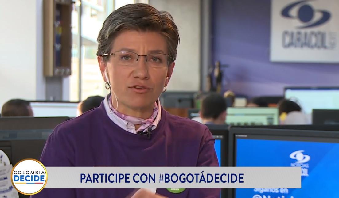 """""""Nuestra victoria es tumbar a Transmilenio como la base del sistema de transporte público de Bogotá, reemplazarlo por una red de metros"""": @ClaudiaLopez en #BogotáDecide  EN VIVO desde Facebook >>> https://buff.ly/2zb7sR3EN VIVO desde YouTube >>> https://buff.ly/2PaDE1y"""